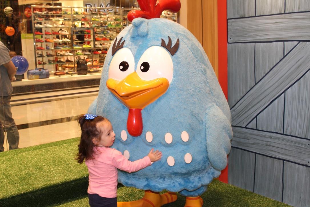 Foto com a galinha pintadinha