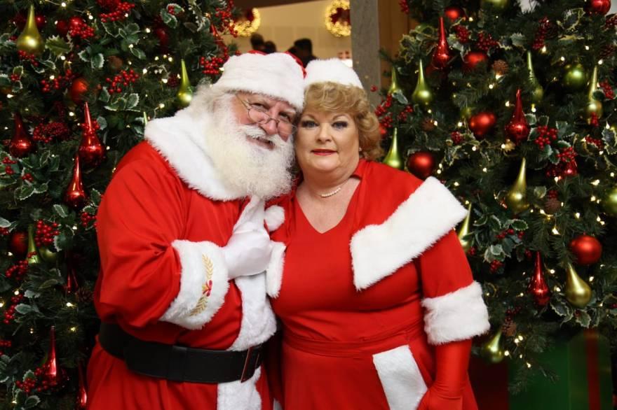Papai Noel e Mamãe Noel no Maxi Shopping Jundiaí